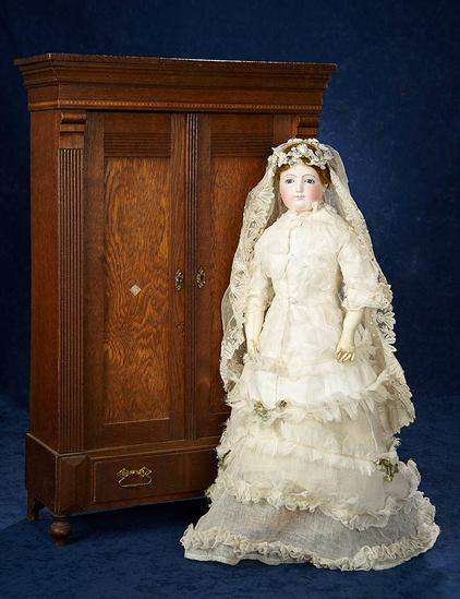 Early French Bisque Poupee in Fine Antique Bridal Costume 2800/3500