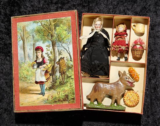German Presentation of Little Red Riding Hood in Box with Accessories 400/600
