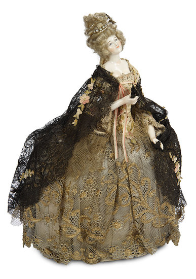 Outstanding German Porcelain Doll in Original Viennese Candy Box Presentation 800/1100