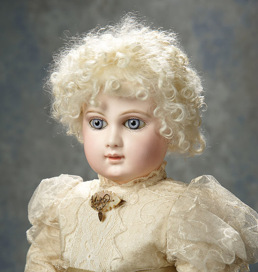 Splendid French Bisque Portrait Bebe by Emile Jumeau in Rare Size 9 7500/9500