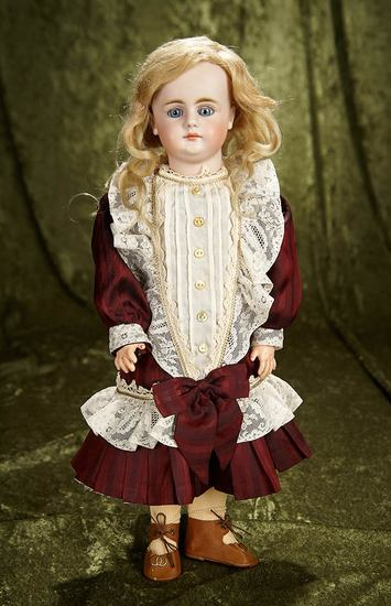 "17"" German bisque closed mouth doll, 979, by Simon and Halbig. $600/900"