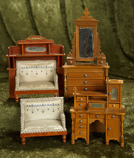 German wooden dollhouse furnishings attributed to Schneegass & Sohne. $400/500