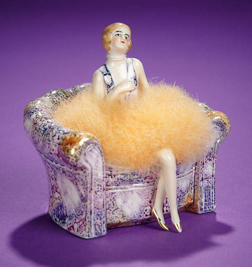 "German Half-Doll ""Flapper Powder Puff"" in Original Porcelain Chair 300/400"
