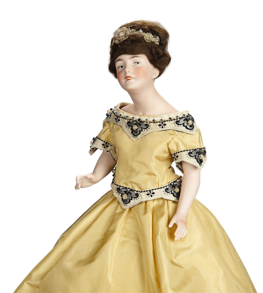 German Bisque Half-Doll with Jointed Arms as Tea-Cozy 400/600