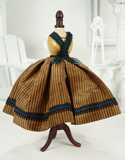 Early French Silk Costume in the Enfantine Mode 700/900