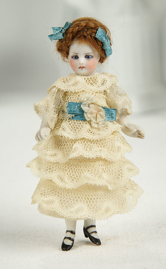 French All-Bisque Mignonette with Cobalt Blue Eyes 500/700