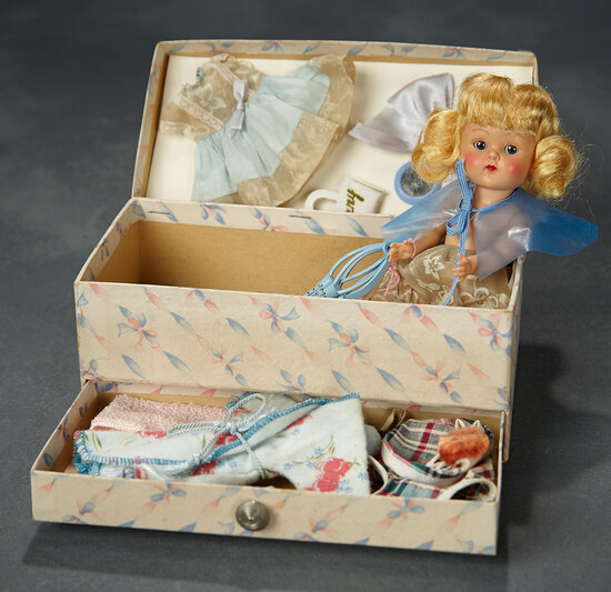 Blonde Painted-Lash Ginny in Original Fitted Trunk with Costumes and Accessories 500/800