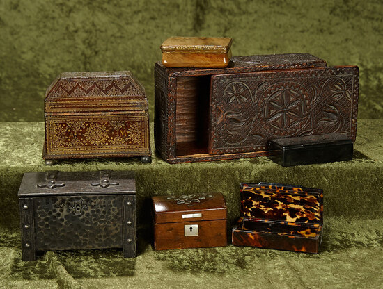 "4""-8"" Collection of antique boxes. $500/700"