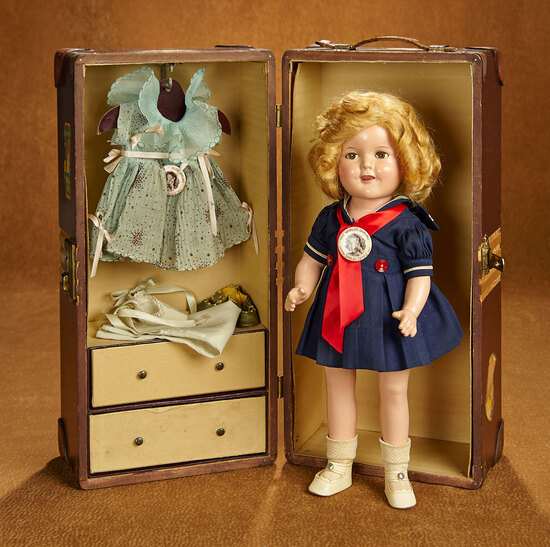 American Composition Shirley Temple, Trunk and Costumes 500/700