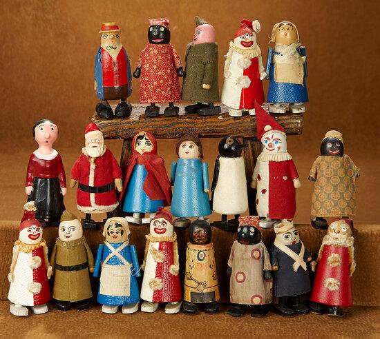 "Collection of Twenty American ""Wilson Walking"" Cottage-Industry Dolls 400/500"