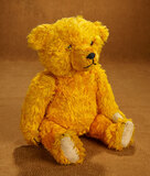 Vibrant Golden Plush Teddy Bear with Amber Eyes, 1930s Vintage 300/400