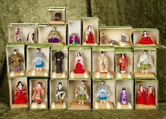 "3.5"" Lot of miniature Japanese Kyoto-Bijan in traditional costumes, original boxes."