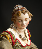 Petite Neapolitan lady with Silver Necklace 1200/1800