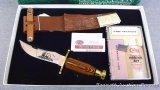 Case XX boxed presentation or gift sets includes Kodiak fixed blade hunting knife, sheath, honing