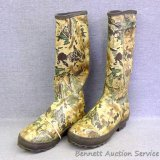 Boundary camouflage steel shank boots, size 8. Appear in good condition.