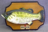 Big Mouth Billy Bass plaque. No batteries, untested.