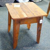 Chequamegon - Amish end table, barn wood. Matches lots 960, 962, 963 and 964.