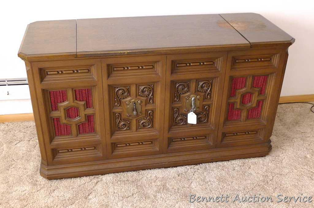 Console Stereo Is Very Retro General Electric