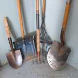 Top quality dirt spade is marked 2XB and has a reinforced head with deep offset at the neck. Lesser