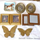 Pairs of wall decorations, plus a 3D horse plaque is numbered B4109. Pair of framed mirrors, floral