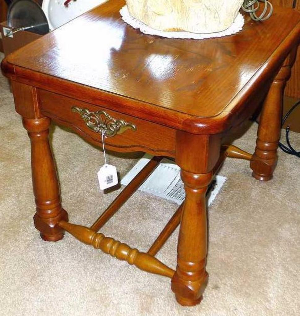 Nice Solid Wood End Table Is S Auctions Online Proxibid - 26 high end table