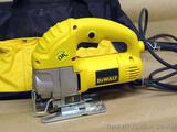 DeWalt VS orbital jig saw Model DW317 with carry case and extra blades. Works.