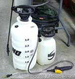 Echo 3 gallon hand sprayer; 1 gallon hand sprayer.