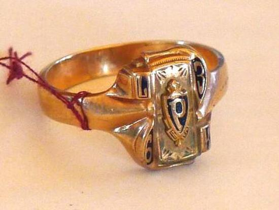 1963 class ring is marked 10K and is size 10-3/4. Weighs 6.4 grams.