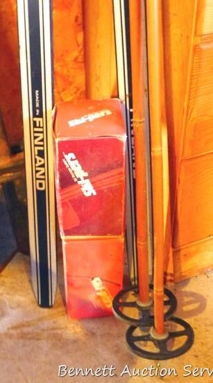 Summitt Ultimate Step cross country skis were made in Finland; poles, plus two Ski-pers ski