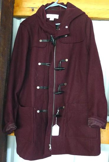 Nice Liz Claiborne woman's coat is size 2X. Pretty color, shell is 62% wool. Lining is