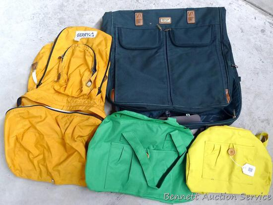 Ascot garment bag, Gerry backpack, and a couple of cheery handbags. Gerry bag looks to be in pretty