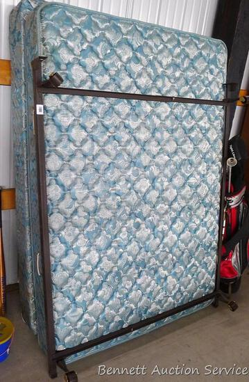 Spring Air Ultra Comfort full size mattress and box spring. Mattress looks to be in pretty good