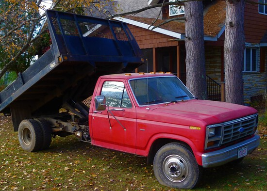 Slack Auction - Sporting Tools Equipment Vehicles