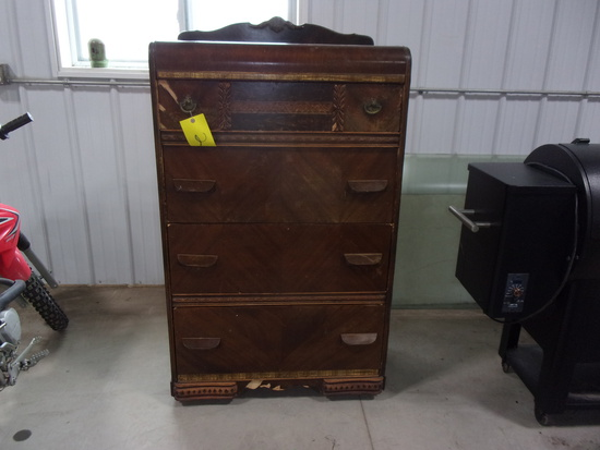 4 DRAWER CHEST ON CASTERS