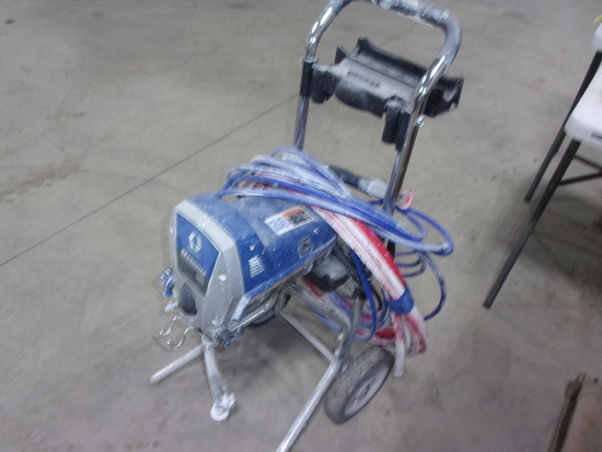 GRACO MAGNUM XR7 COMMERCIAL AIRLESS PAINT SPRAYER
