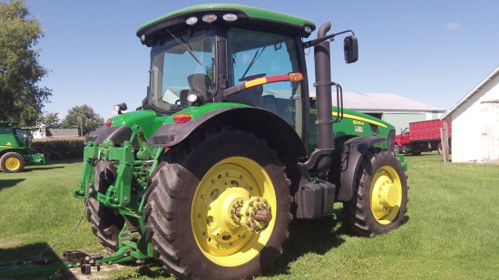 2010 JD 8225 R MFWD Tractor