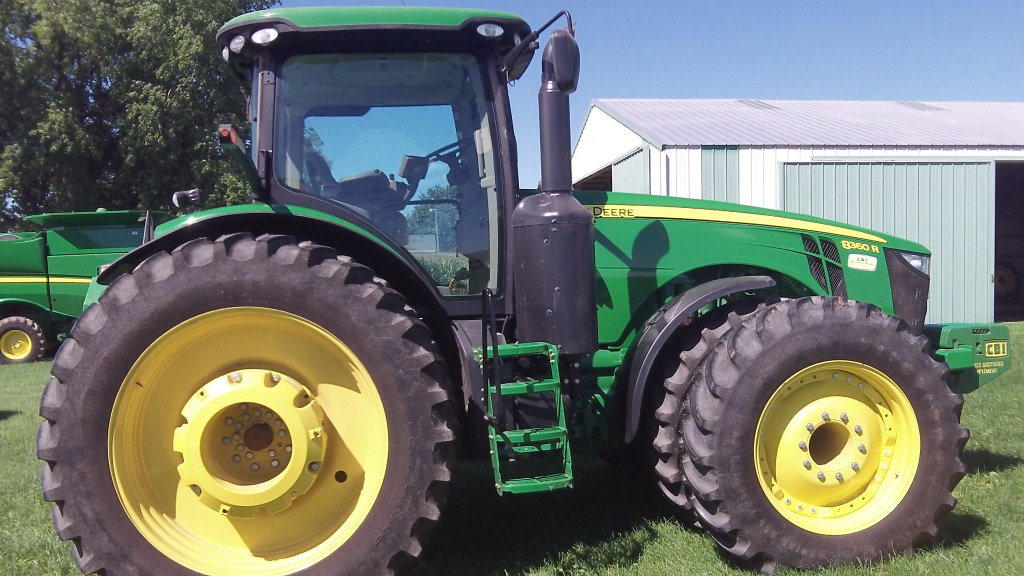 2013 JD 8360R MFWD Tractor