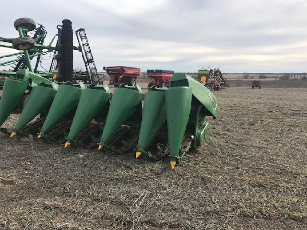 JD 693 Corn Head