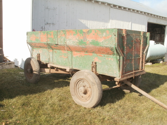 wood box wagon