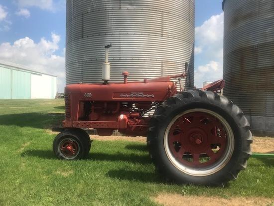 Farmall 400 Tractor