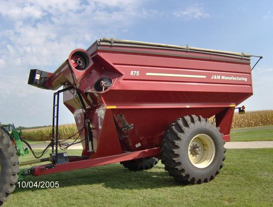 J & M 875 Grain Cart