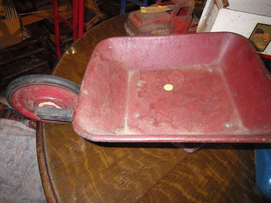 childs wheel barrow