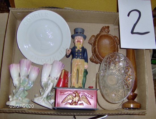 (2) bud vases, am collectibles