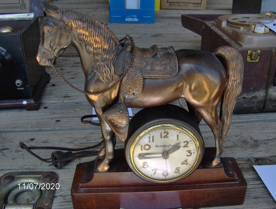Master Crafters Horse Clock