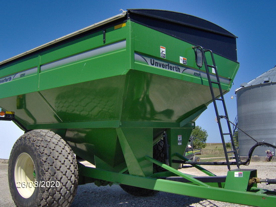 Uverferth 8250 Grain Cart