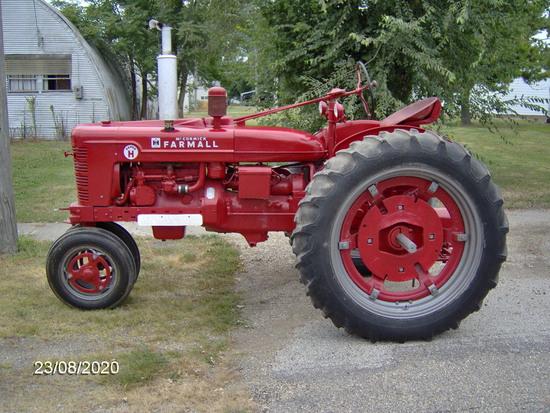 1953 Farmall Super H tractor