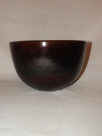 Unusual crockery bowl w/ pattern on inside bottom