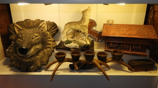 Set of decorator pieces including simulated antler