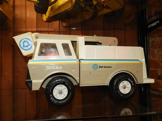"""Tonka Bell System bucket truck, 19""""Lx11""""T"""