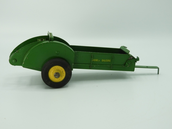 Made in USA John Deere manure spreader